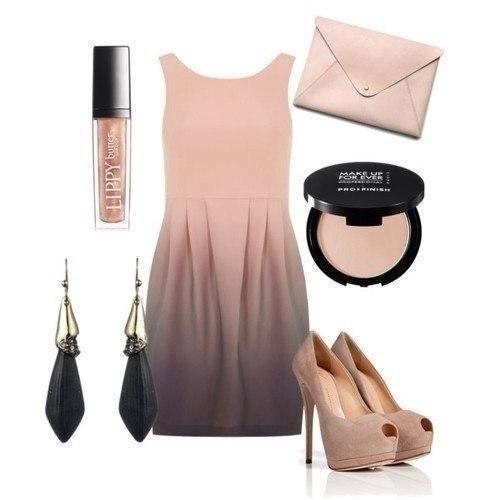 Красивое платье с переходом одного цвета в другой. Клатч и туфли в цвет дополнят образ. Равно как и серьги-висюльки.