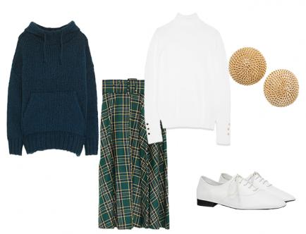Комплект из более классической юбки и свитера с капюшоном станет идеальным решением для ежедневных будней. Обязательно подбери базу под вязаное изделие, чтобы сделать свой outfit еще более практичным для зимнего сезона.