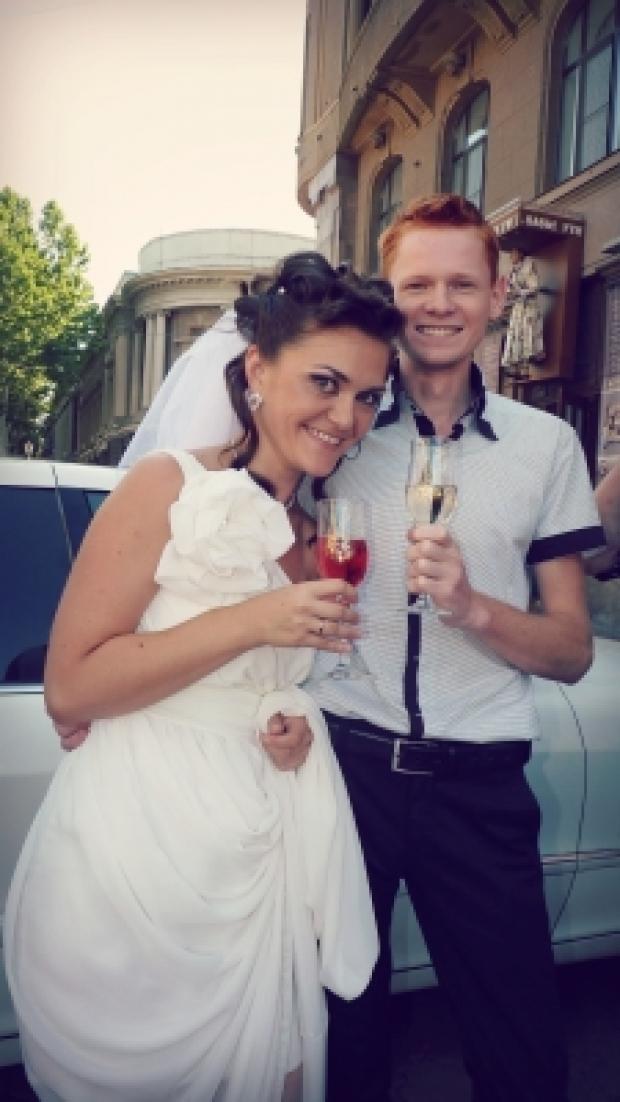 Любовь - это брызги шампанского, откупоренного в день нашей свадьбы! (Лидия Карабанова)