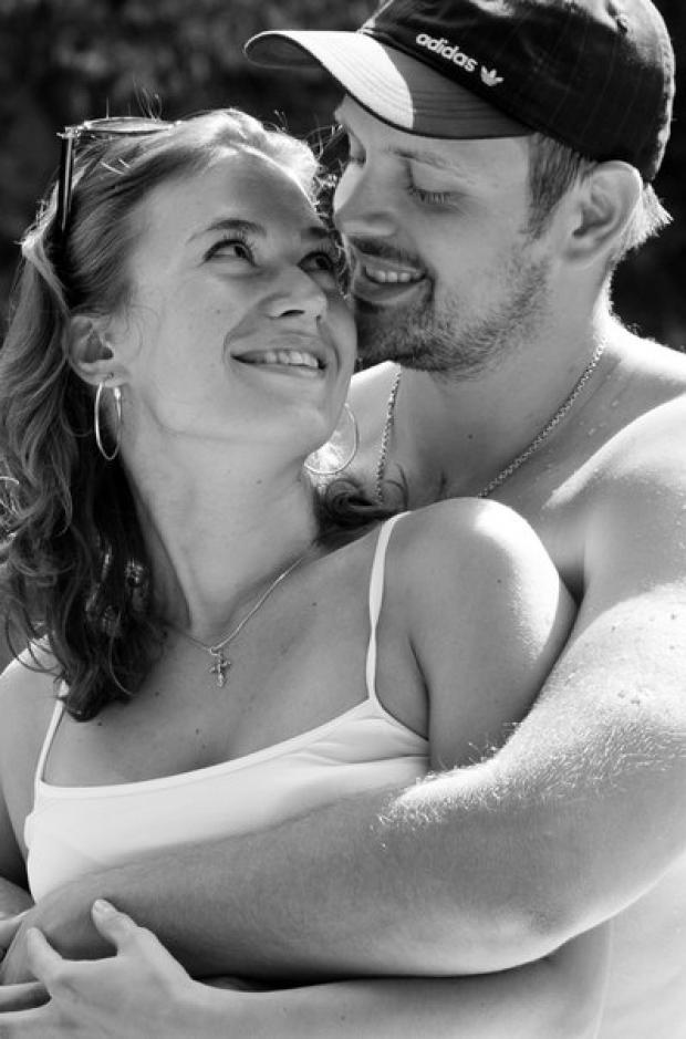 Любовь - это смотреть друг на друга, смотреть в одном направлении, смотреть в БУДУЩЕЕ с оптимизмом, нежностью и вдохновением!