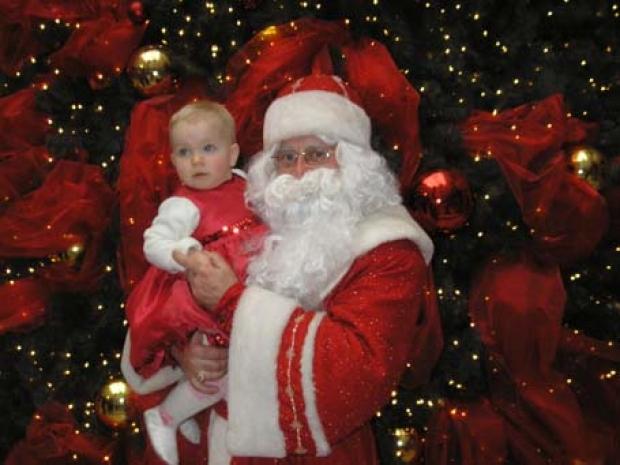 Лизеныш первый раз встретила Деда Мороза