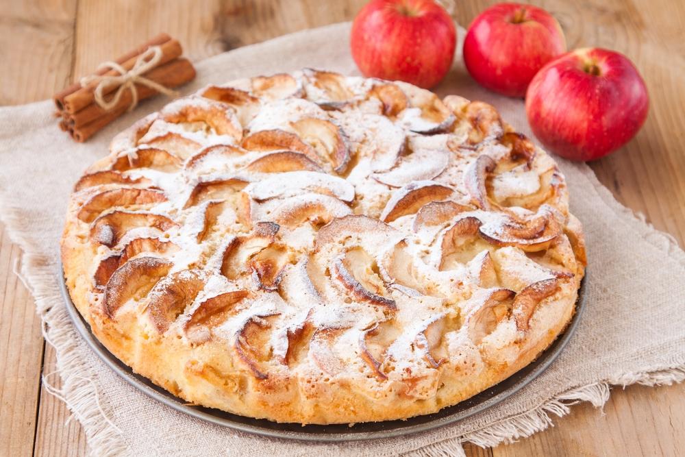 Яблочный пирог с корицей: рецепты для уютного вечера в кругу семьи - фото №5