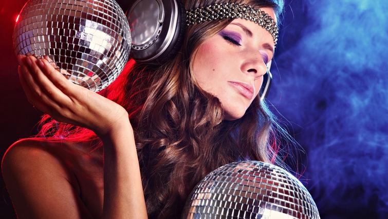 Выходные в столице: Garage Sale, вечеринка Playboy и концерт группы «Бумбокс» - фото №7