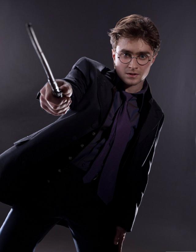 Отредактировала: Джоан Роулинг призналась, что Гарри Поттеров cначала было двое - фото №1