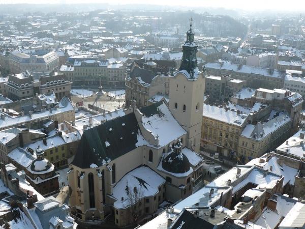 Куда поехать на новогодние праздники: путешествуем по городам Украины - фото №1