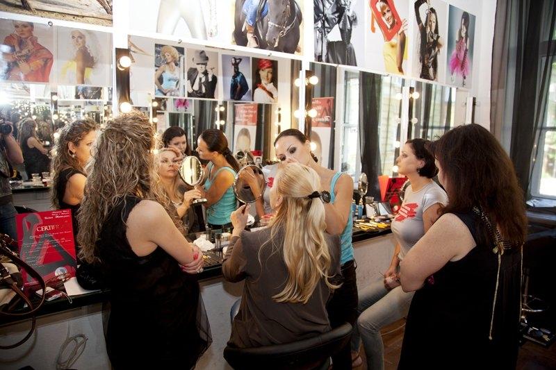 Лучшие школы макияжа в Украине - фото №4