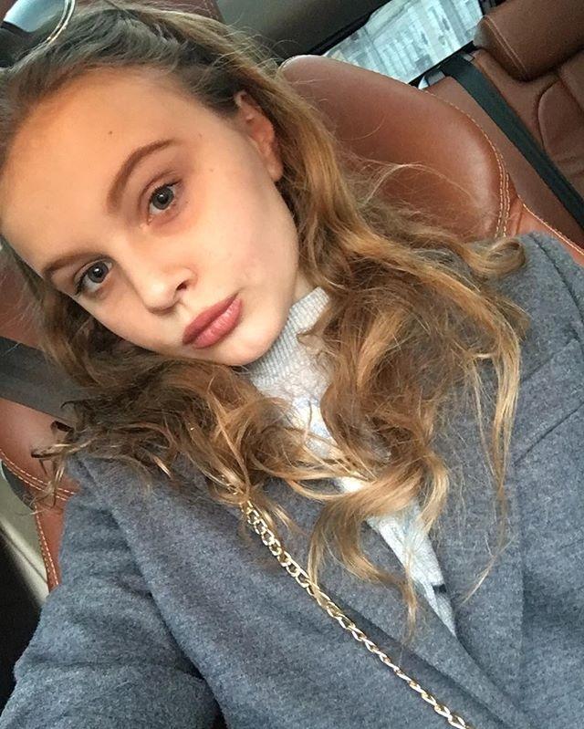 Снова за свое: 11-летняя дочь Ольги Фреймут удивила смелым макияжем губ (ФОТО) - фото №2
