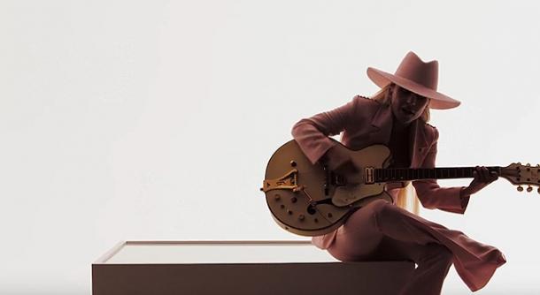 Леди Гага откровенно рассказала о чувствах в новом клипе Million Reasons (ПРЕМЬЕРА) - фото №1
