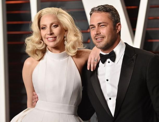 Леди Гага хорошеет день ото дня: поклонники заподозрили певицу в пластике (ФОТО+ВИДЕО) - фото №1