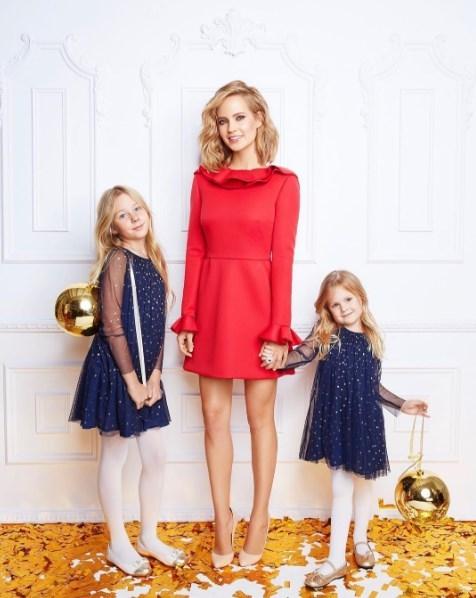 Глюкоза показала подросших дочерей и новогоднюю елку (ФОТО) - фото №2