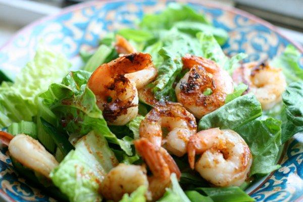 Что съесть в обед: салаты с креветками - фото №3