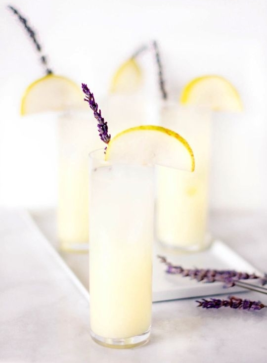 Лавандовый коктейль на основе джина