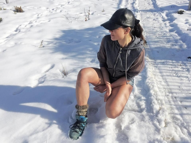 Руслана пробежалась по снегу в мини-шортах (ФОТО) - фото №2
