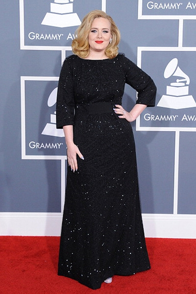 Тейлор Свифт стала самой богатой певицей: блондинка обошла Бейонсе, Рианну и Адель - фото №2