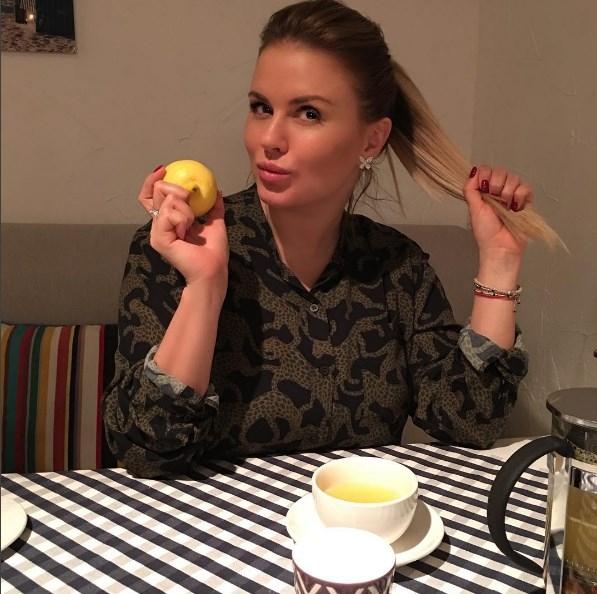 Пикантное ФОТО Анны Семенович в ванной взорвало Сеть - фото №2