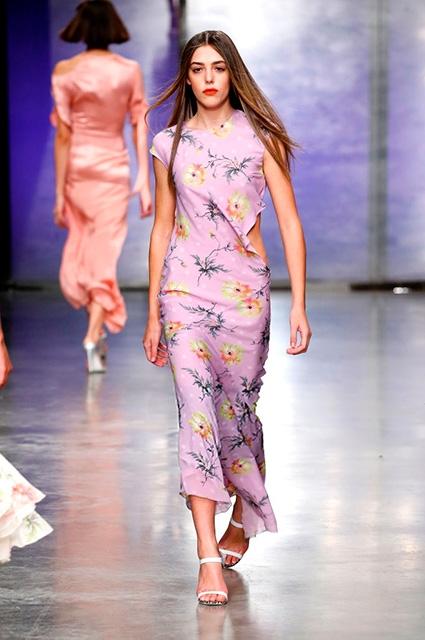 18-летняя дочь Сильвестра Сталлоне дебютировала на Неделе моды в Лондоне (ФОТО) - фото №2