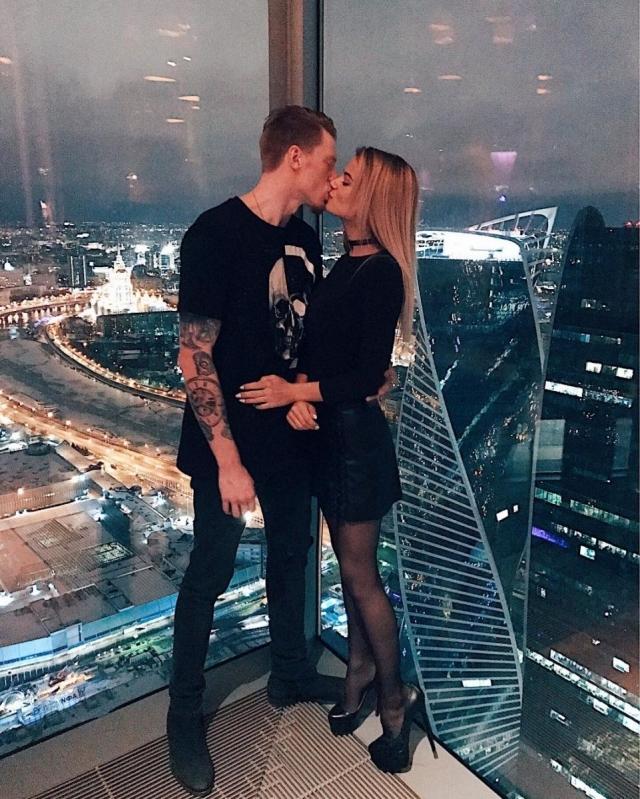 Месяц до свадьбы: Никита Пресняков и Алена Краснова подали заявление в ЗАГС (ФОТО) - фото №2