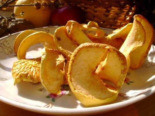 Заготовки на зиму: как сушить и вялить ягоды и фрукты - фото №1