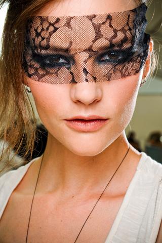 Топ 5 ведущих визажистов на Неделях моды - фото №23