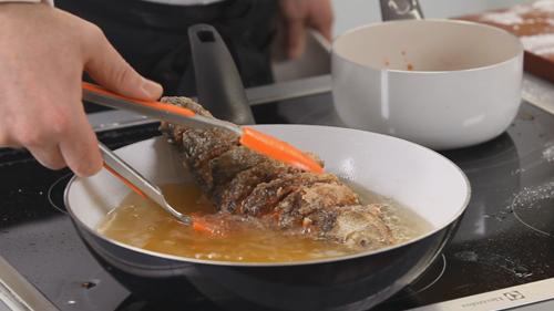 Разделка и рецепт карпа с кисло-сладким соусом. Видео - фото №4