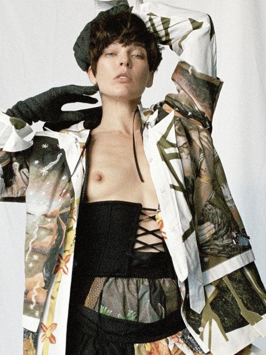 Милла Йовович полностью оголила грудь для известного глянца (ФОТО) - фото №2