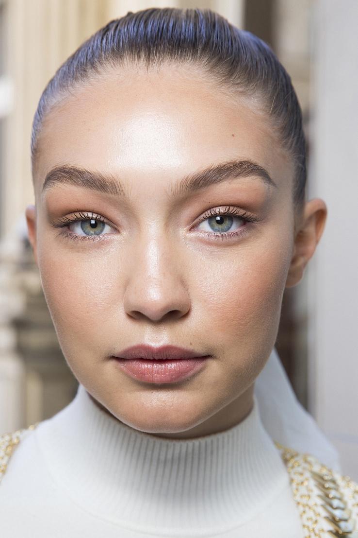 Тренд 2016: теплый макияж для сияющего лица - фото №1