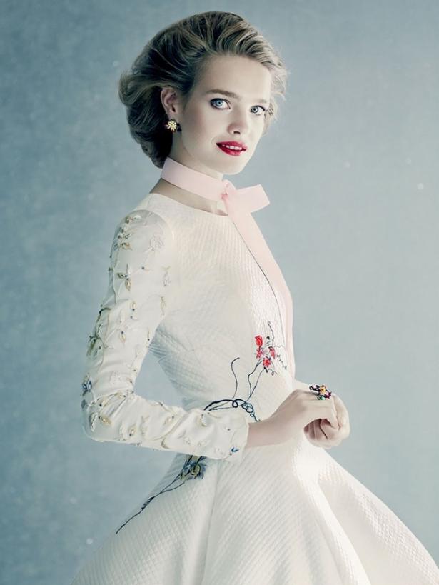 водянова свадебное платье