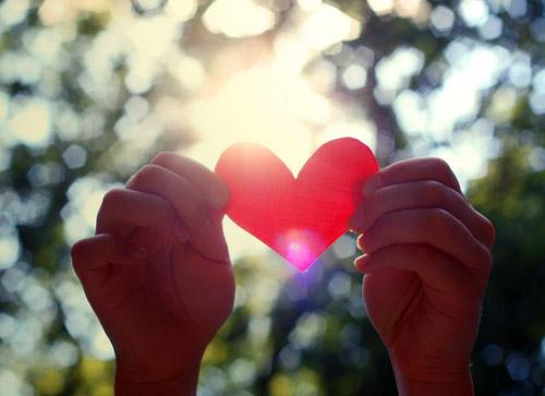 Как признаться в любви: лучшие поздравления с Днем Валетина - фото №1