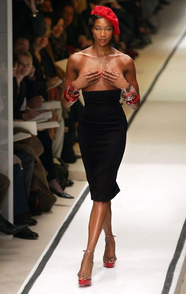 Наоми Кэмпбелл – 45 лет: самые сексуальные образы модели