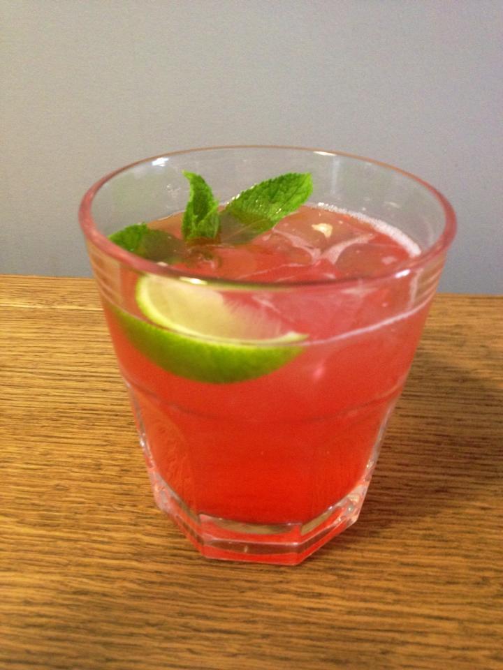 Напитки, которые можно делать в офисе в знойное лето - фото №2