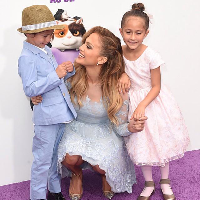 Лопес с детьми