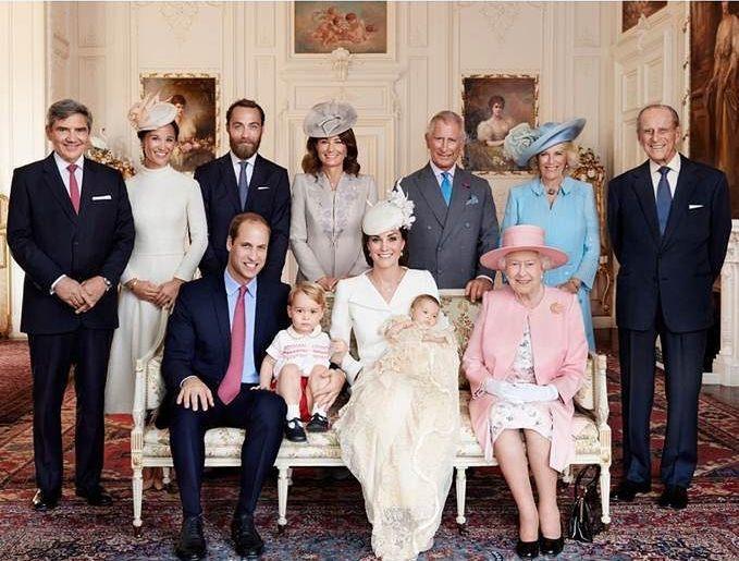 Появились официальные фото с крестин принцессы Шарлотты - фото №2