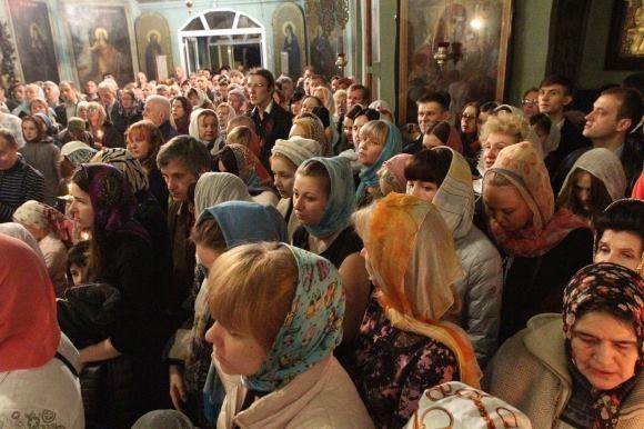 Что нового в семьях украинских звезд: сын Тины Кароль участвует в богослужениях, жена Дяди Жоры поражает фитнес-бикини - фото №3