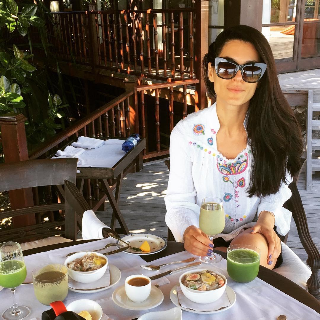 Маша Ефросинина поделилась рецептом фирменного детокс-смузи: секрет здорового питания - фото №3