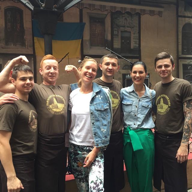В джазе не только девушки: как украинские знаменитости слушали джазменов во Львове - фото №2