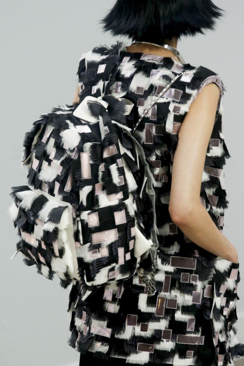 Рюкзак в стиле хиппи от Chanel - фото №4