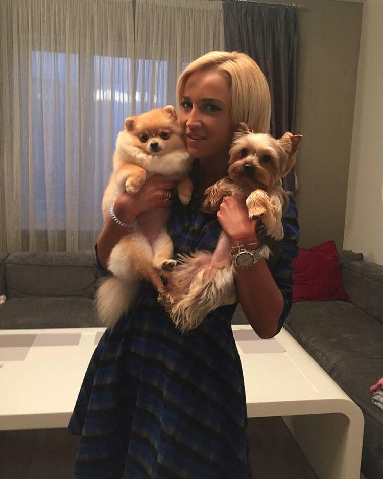 Ольга Бузова с собаками