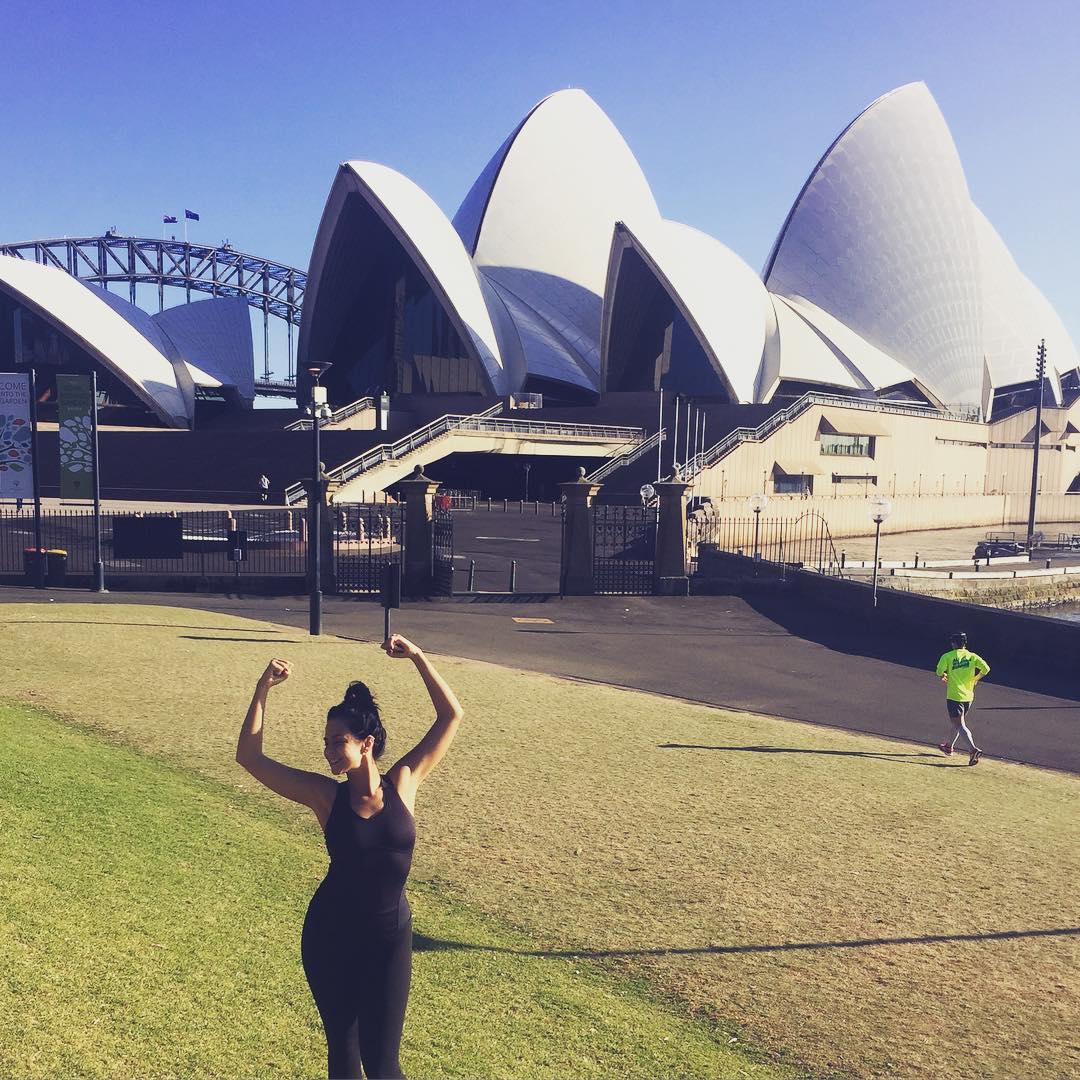Настя Каменских потерялась в Австралии: певица смело отправилась на пробежку в горы - фото №3
