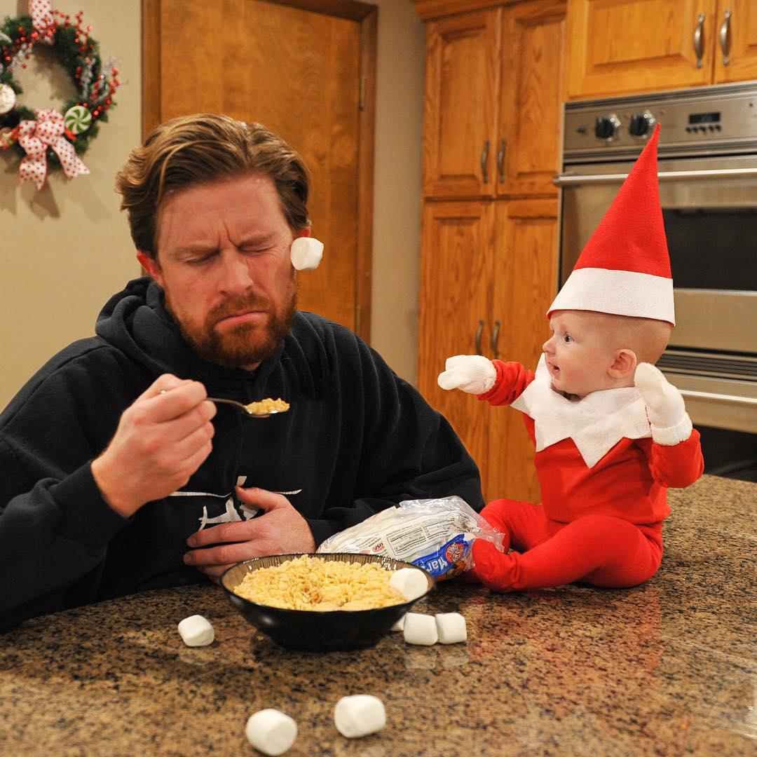 История одного эльфа: отец сделал серию фотографий своего ребенка к Рождеству - фото №8