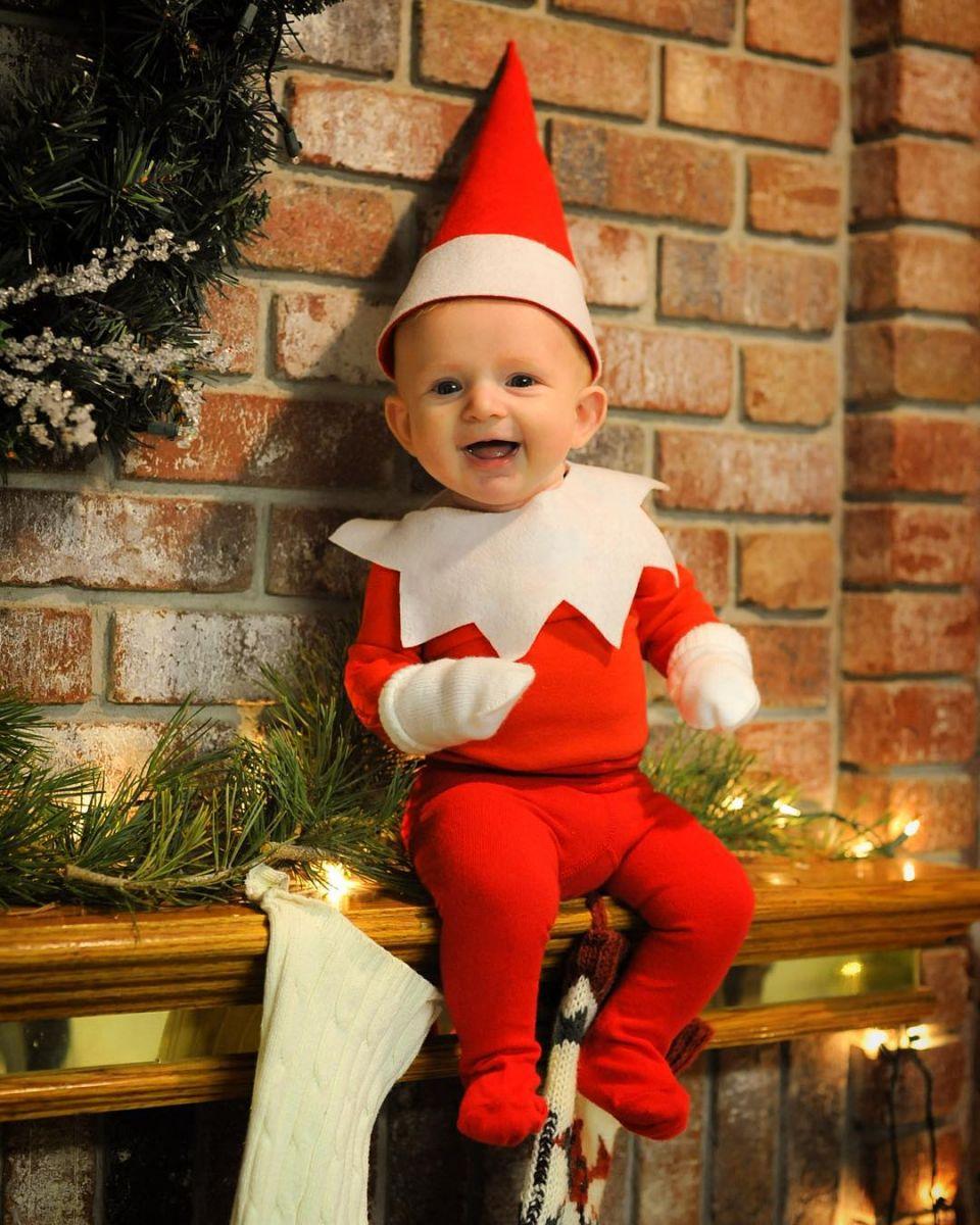 История одного эльфа: отец сделал серию фотографий своего ребенка к Рождеству - фото №2