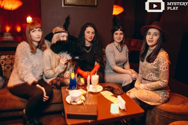 Как редакция ХОЧУ.ua ходила в кабаре: бородатая монашка научила воровку танцевать - фото №3