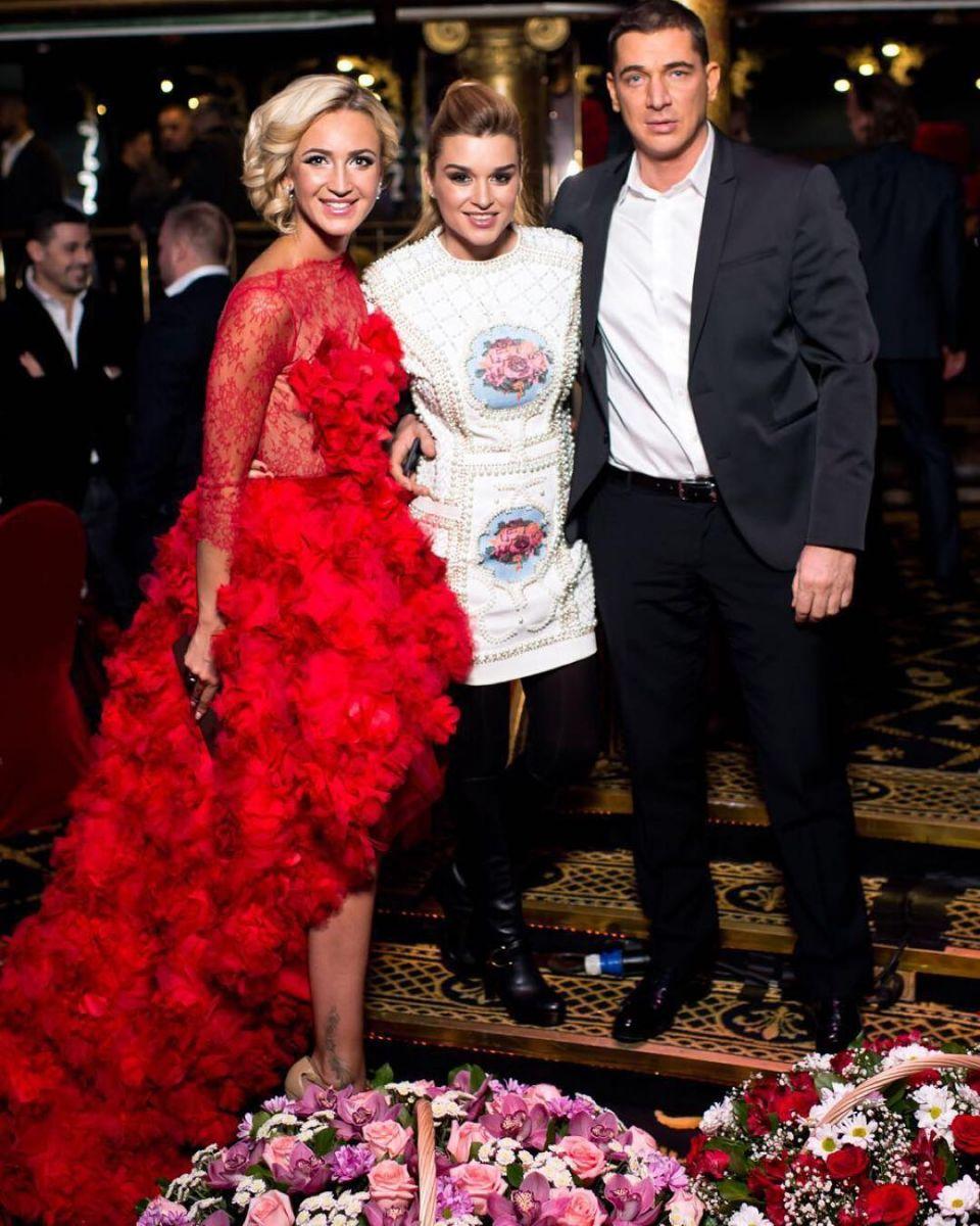 Ксению Бородину уличили в ношении подделки платья, как у Ким Кардашьян - фото №1
