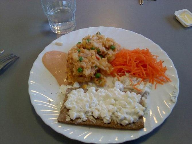 Как выглядит школьный обед в разных странах мира? - фото №14