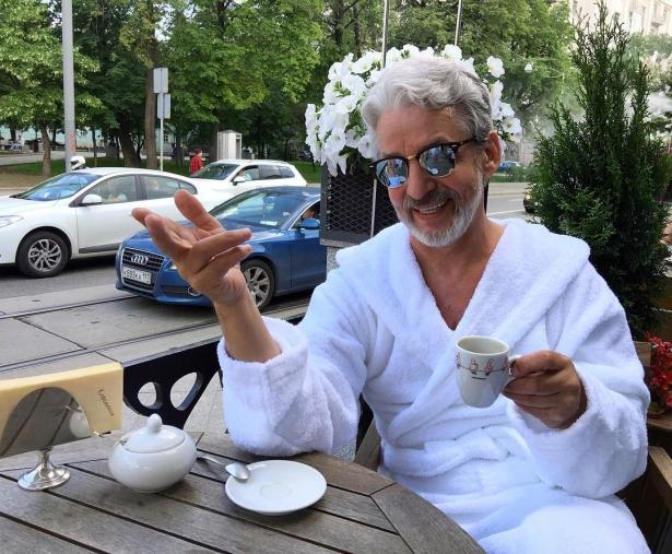Мода на старость: как люди в возрасте стремительно становятся популярными - фото №2