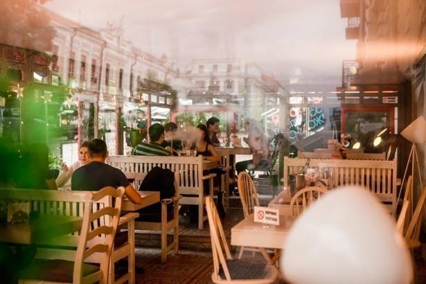 Топ-10 лучших ресторанов и кафе с летними террасами в Киеве - фото №14
