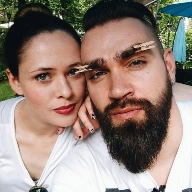 Без макияжа и в халате: Юлия Санина показала домашнее ФОТО с подросшим сыном - фото №1