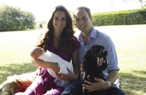 Кейт Миддлтон и принц Уильям показали сына - фото №1