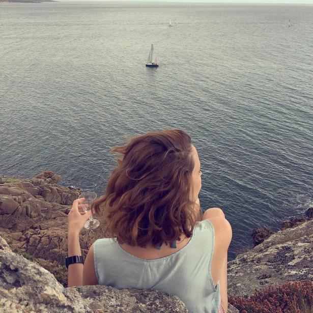Всем плевать на твой алкоголизм: как аккаунт популярной девушки оказался социальной рекламой - фото №1