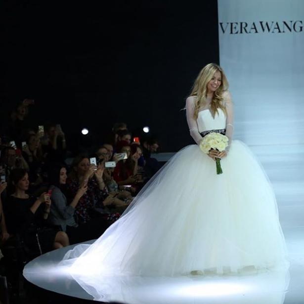 брежнева в свадебном платье фото