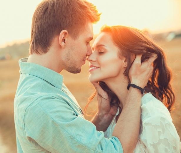 Всемирный день поцелуя: история праздника, удивительные факты и идеи для времяпровождения - фото №3